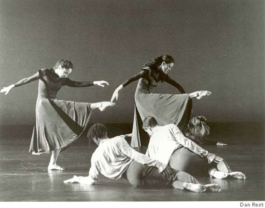 Pictured: Company Members of Mark Morris Dance Group in Somebody�s Coming to See Me Tonight. Returning to the company�s second home away from home, Morris brings the West Coast premiere of Somebody�s Coming to See Me Tonight to Cal Performances September 22 � 24, 2005. PHOTO: DAN REST Photo: Dan Rest