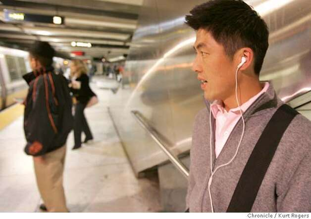 Danyel Fong of South San Francisco wates for his BART train as has his Ipod on.  With the theft of I pods up BART officials warned riders with a flyer in Feb about the problem.  Tuesday, MARCH 20, 2007 KURT ROGERS/THE CHRONICLE SAN FRANCISCO THE CHRONICLE  KURT ROGERS/THE CHRONICLE .jpg MANDATORY CREDIT FOR PHOTOG AND SF CHRONICLE / NO SALES-MAGS OUT Photo: KURT ROGERS/THE CHRONICLE