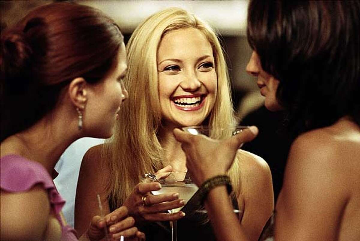 HLG � 03794 (Left to right) Kathryn Hahn as Michelle, Kate Hudson as Andie and Annie Parisse as Jeannie in � Paramount Pictures' �How to Lose a Guy in 10 Days.