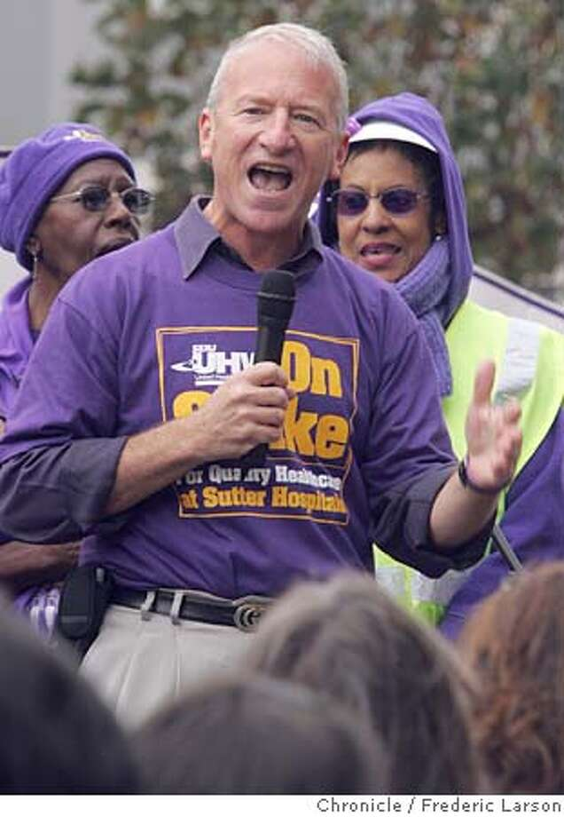 STERN_037_fl.jpg Andy Stern, the president of Service Employees International Union (SEIU) spoke to striking members of his union outside the California Pacific Medical Center in S.F., 3700 California St  9/16/05 San Francisco CA Frederic Larson The San Francisco Chronicle Photo: Frederic Larson