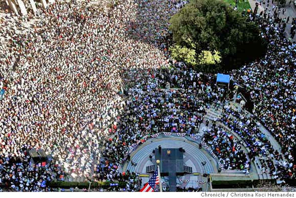 Thousands gather in Oakland to hear Obama's speech. Presidential candidate, Barack Obama, rallies in Oakland's City Center.(Christina Koci Hernandez/The Chronicle)