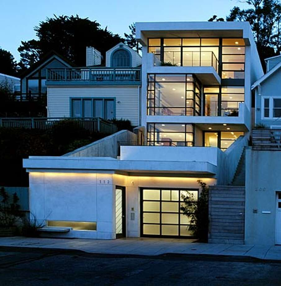 Design magicians / The best contemporary projects -- having defeated ...