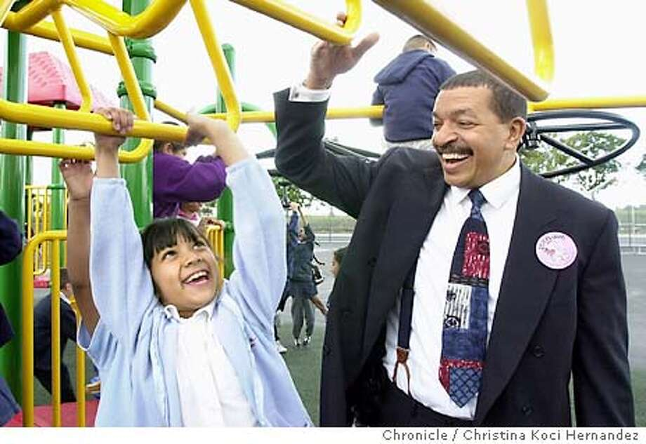 compton100_ckh.jpg (We are still trying to get the school to help us id this kid.)State administrator, Dr. Randolph Ward visits students at William Jefferson Clinton Elementary School, the newest school to be built in Compton in years. We visit Compton Unified School District, and see the effects of the state take-over . Shot on 4/17/03 in Compton. CHRISTINA KOCI HERNANDEZ / The Chronicle Photo: CHRISTINA KOCI HERNANDEZ