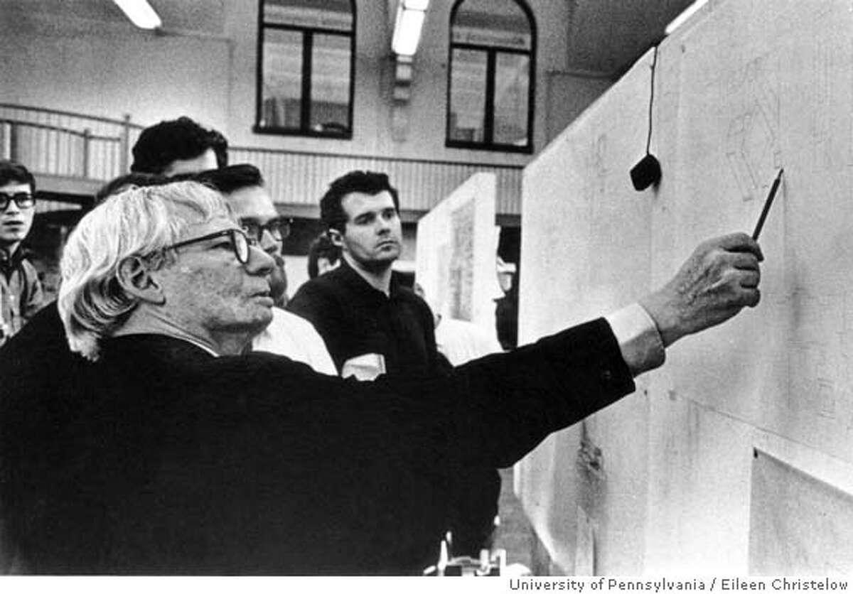 Louis Kahn teaching graduate architectural studio, University of Pennsylvania, USA, c.1967 PHOTO CREDIT: Courtesy of the Architectural Archives, University of Pennsylvania/Photo: Eileen Christelow