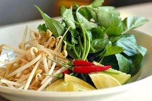 EAST07_PHO_GARNISHES  For Food Section.