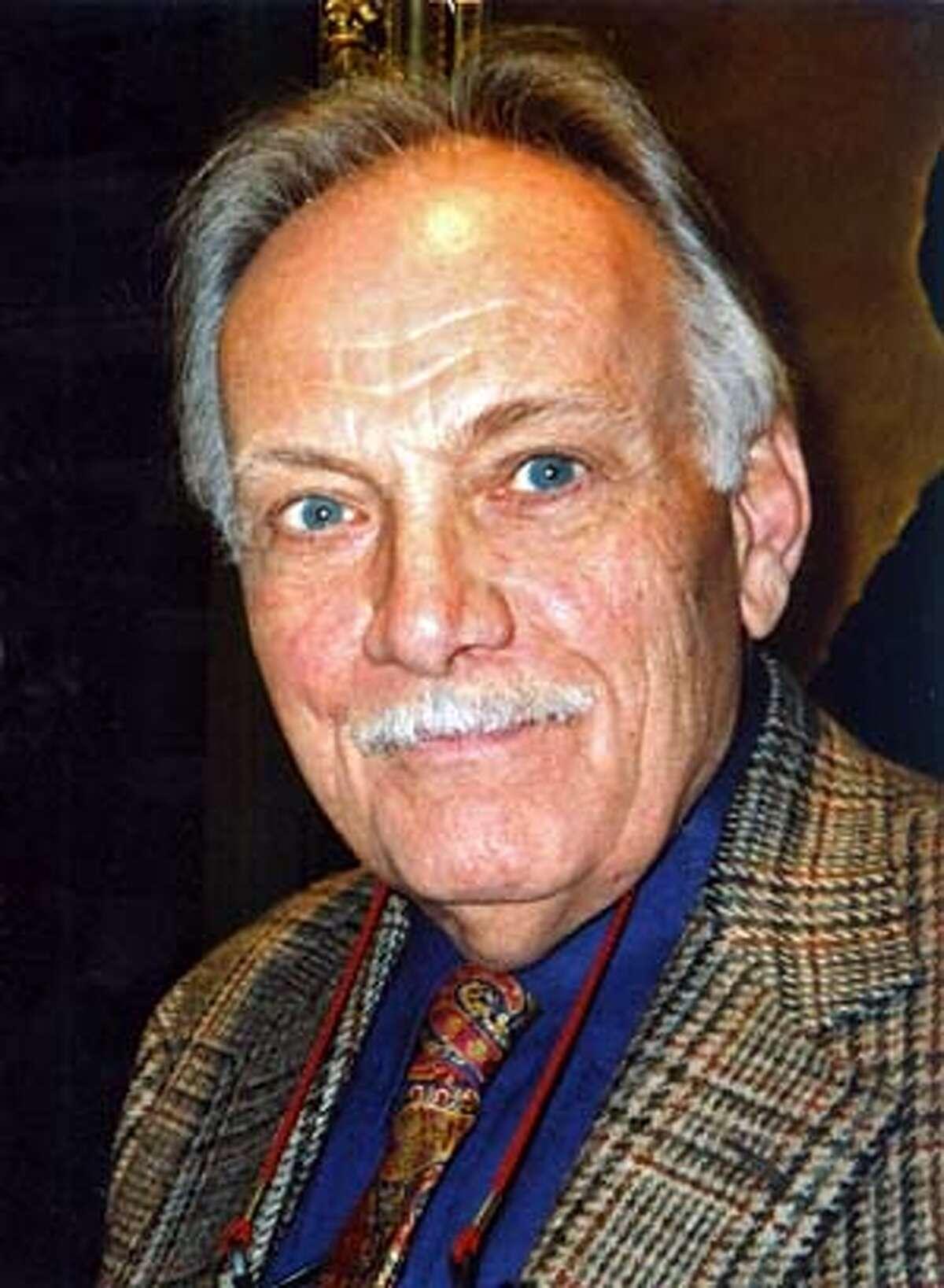 Obituary photo of F. Clark Howell.