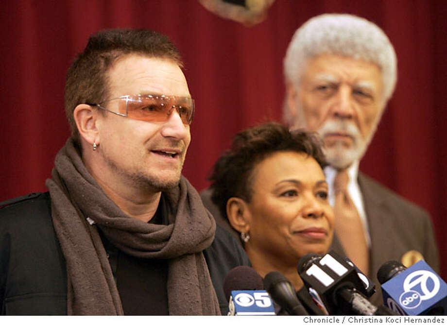 (L) to (R) Bono, Rep. Barbaara Lee, Oakland Mayor Ron Dellums. U2 lead singer Bono and U.S. Rep. Barbara Lee, at Allen Temple Baptist Church, in East Oakland. musician and international AIDS activist Bono will be joining Rep. Barbara Lee in Oakland to learn about HIV/AIDS in the African American community and to participate in a roundtable discussion with faith leaders on how we can best fight the disease.(CHRISTINA KOCI HERNANDEZ/CHRONICLE) Photo: CHRISTINA KOCI HERNANEZ/CHRONICL