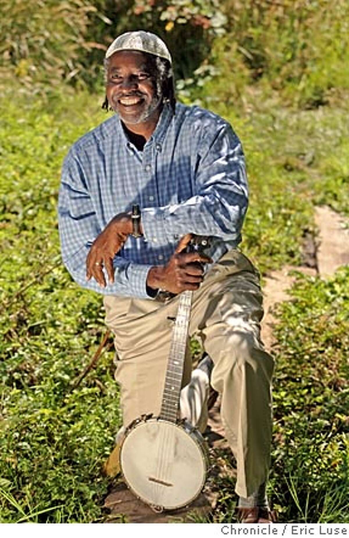 nbplanetwalker_042_el.JPG Once John Francis took the vow of silence he had always wanted to learn the banjo and the timing was perfect to learn it while walking the planet. John Francis is an environmentalist and a man of principles. He gave up cars for 22 years; he took a vow of silence that lasted 17 years. His book