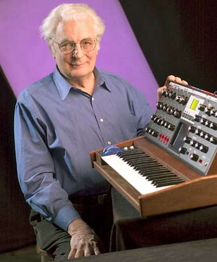 Electronic music pioneer and founder of Moog Music Inc., Dr. Robert Moog, died yesterday afternoon at his home in Asheville, N.C. He was 71. **XBWM**  CONTACT:  Moog Music Inc.:  Morsekode  Megan O'Neil, 952-853-9555  Cell 612-751-9607  megan@morsekode.com Photo: JOHN WARNER