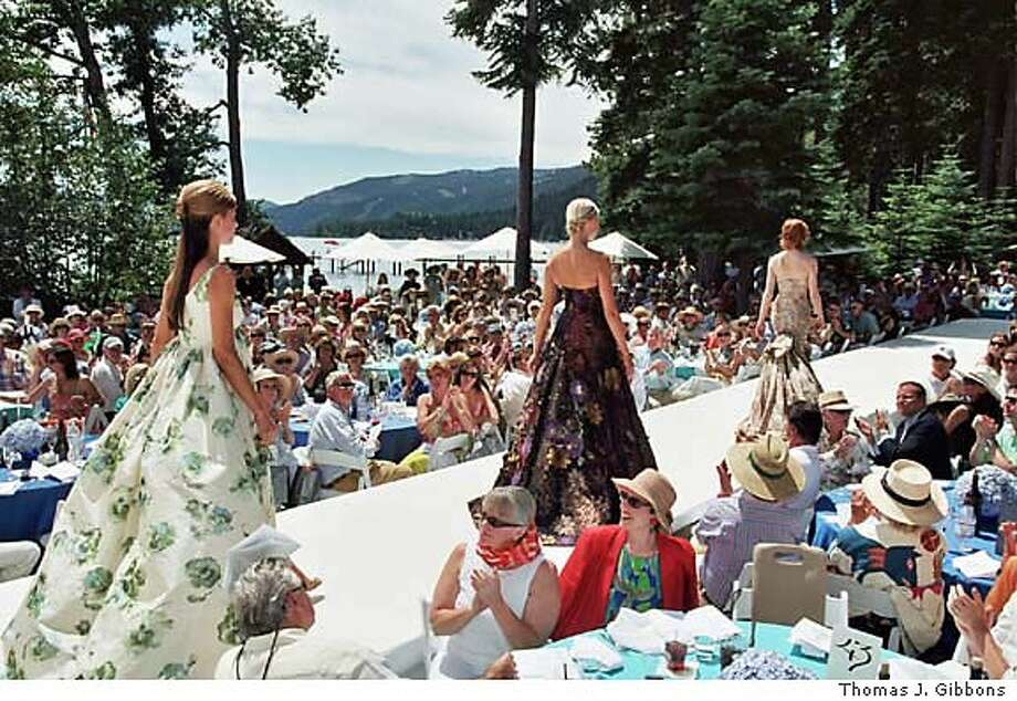 Models on the runway at the League to Save Lake Tahoe fashion show of Oscar de la Renta designs Ran on: 08-21-2005  Models display Oscar de la Renta's designs at the League to Save Lake Tahoe fashion show. Photo: Thomas J. Gibbons/Special To The