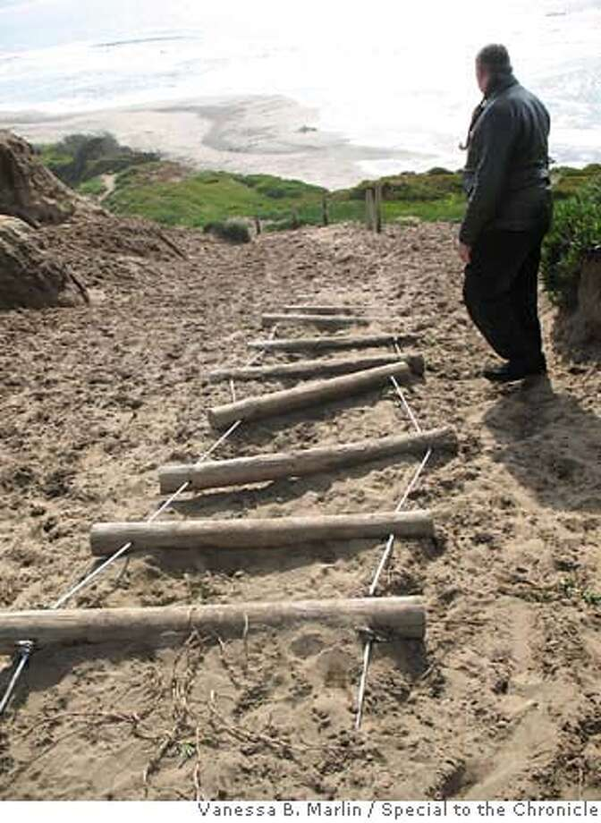 CW_SAND_LADDER  Cables that connect the wooden steps of the sand ladder at Fort Funston have snapped.  Photo taken in San Francisco, CA.  Photo by Vanessa B. Marlin/The San Francisco Chronicle  Shoot Date: 2/18/2007  Location: The beach at Fort Funston. Photo: Vanessa Marlin