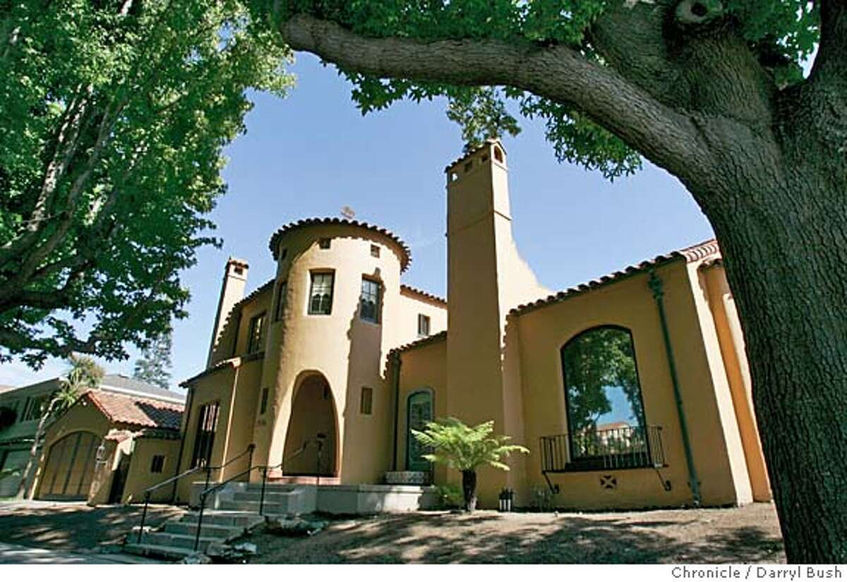 designed by architect W. W. Dixon. Event on 8/9/05 in Alameda. Darryl Bush / The Chronicle