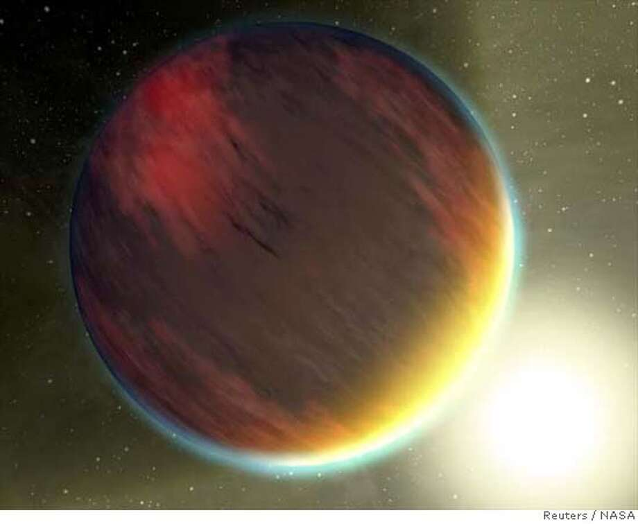 "An artist's concept shows a cloudy Jupiter-like planet that orbits very close to its fiery hot star in this image released on February 21, 2007. NASA's Spitzer Space Telescope was recently used to capture spectra, or molecular fingerprints, of two ""hot Jupiter"" worlds like the one depicted here. This is the first time a spectrum has ever been obtained for an exoplanet, or a planet beyond our solar system. Scientists have identified about 200 planets outside our solar system. REUTERS/NASA/JPL-Caltech/Handout (UNITED STATES). EDITORIAL USE ONLY. NOT FOR SALE FOR MARKETING OR ADVERTISING CAMPAIGNS. EUO Photo: HO"