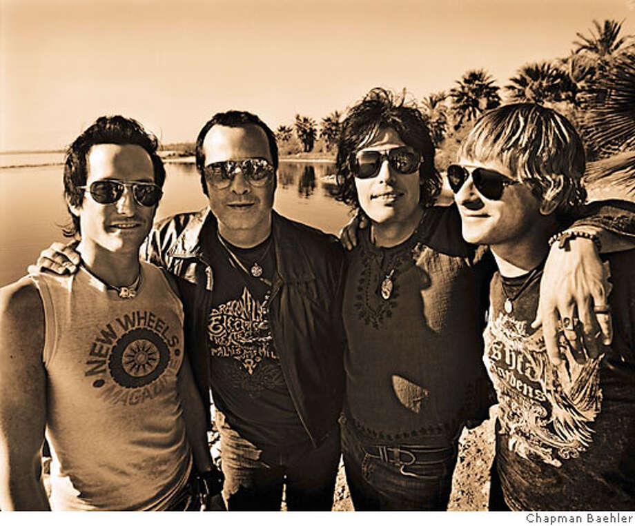 From left to right: Richard Patrick, Robert DeLeo, Dean DeLeo and Ray Luzier. Credit: Chapman Baehler Photo: Chapman Baehler