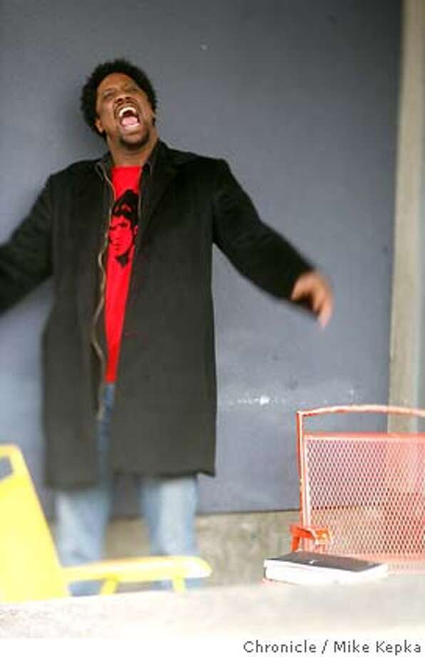 bell2300086_mk.JPG W. Bell Kaumau of San Francisco is an up-and-coming new comedian. He can often be found writing new material at the canvas gallery and cafe in the inner Sunset. Mike Kepka / The Chronicle W. Kamau Bell (cq) the source MANDATORY CREDIT FOR PHOTOG AND SF CHRONICLE/NO SALES-MAGS OUT Photo: Mike Kepka