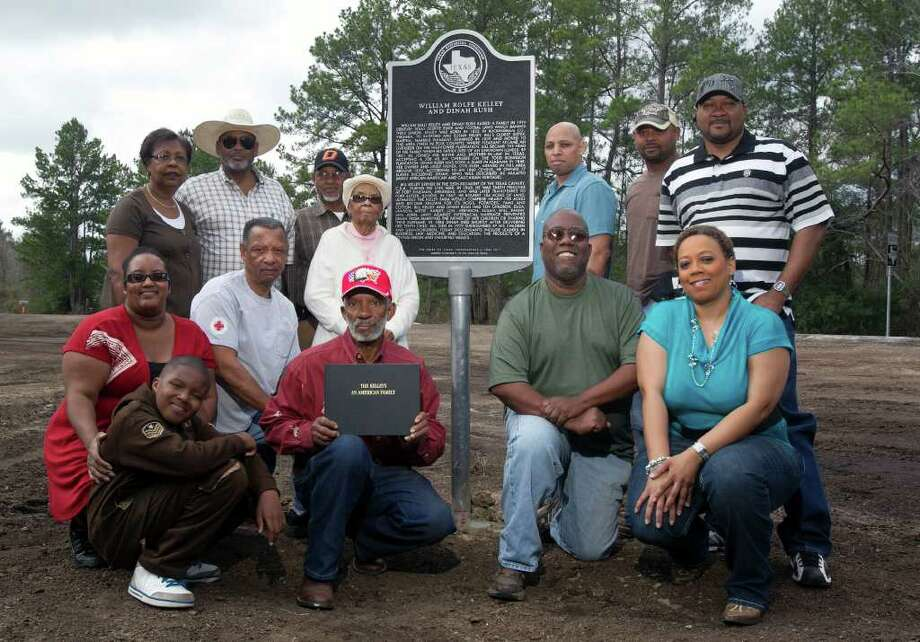 Descendants of William Kelley gather at the site of a state historical marker commemorating the white former slave overseer and his common-law wife, Dinah Rush, a freed slave. Photo: James Nielsen / © 2011 Houston Chronicle