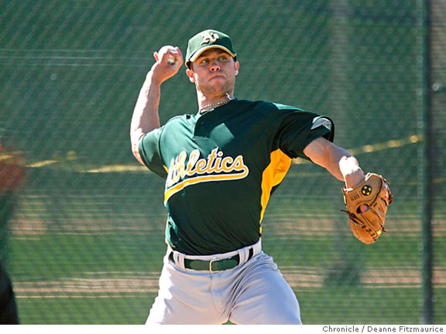 Rich Harden threw some pitches. The Oakland Athletics pitchers and catchers have their first workout of Spring Training at Papago Park. Photographed in Phoenix on 2/17/07. Chronicle Photo / Deanne Fitzmaurice Tim Lincecum Photo: Deanne Fitzmaurice