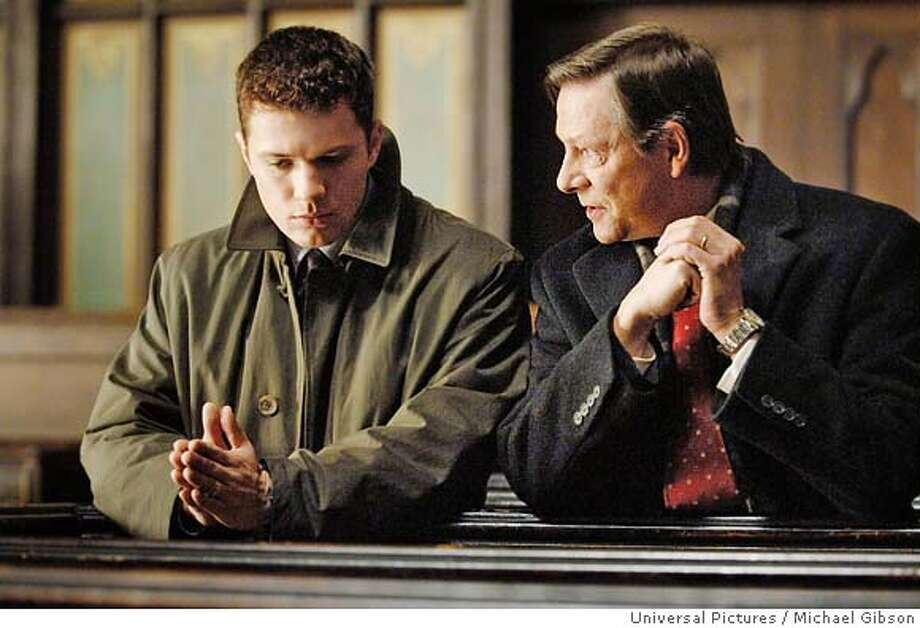 1.D1-93R  Young FBI trainee Eric O�Neill (RYAN PHILLIPPE) is lectured on becoming a godly man by renowned operative and suspected spy Robert Hanssen (CHRIS COOPER) in the thriller Breach.  Credit: Michael Gibson / Universal Pictures Photo: Ho