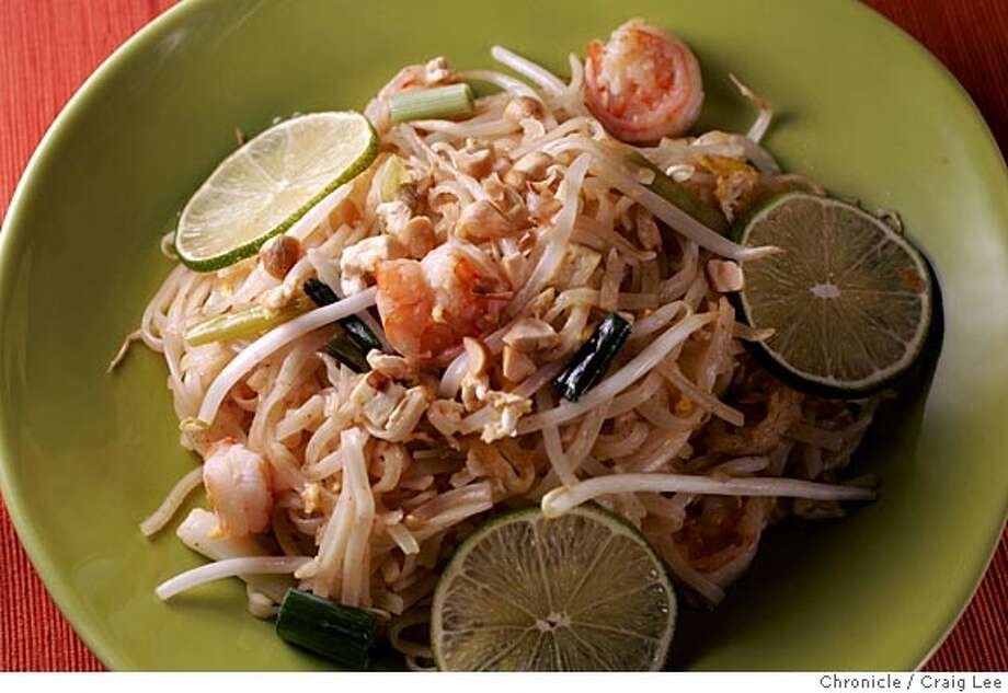 WORKING10_003_cl.JPG  Pad Thai for Working Cook. Food styled by Amanda Gold.  Event on 7/28/05 in San Francisco. Craig Lee / The Chronicle MANDATORY CREDIT FOR PHOTOG AND SF CHRONICLE/ -MAGS OUT Photo: Craig Lee