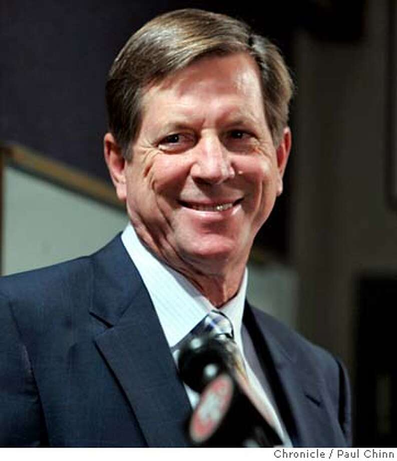 49ers18_038_pc.jpg  San Francisco 49ers head coach Mike Nolan (left) named Norv Turner as offensive coordinator at the team's headquarters in Santa Clara, Calif. on 1/17/06. Turner was recently fired as head coach of the Oakland Raiders.  PAUL CHINN/The Chronicle MANDATORY CREDIT FOR PHOTOG AND S.F. CHRONICLE/NO SALES - MAGS OUT Photo: PAUL CHINN