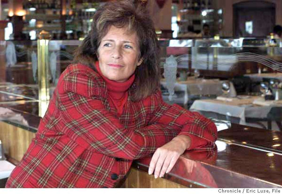 DELANCEY21A-C-18JAN01-MN-EL Mimi Silbert, director of Delancey Street, S.F. in the restaurant. ALSO RAN: 03/25/03 BY ERIC LUSE/THE CHRONICLE CAT