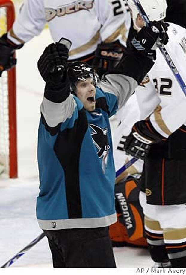 San Jose Sharks right wing Milan Michalek, of the Czech Republic, celebrates his go-ahead power-play goal against the Anaheim Ducks late in the third period of an NHL hockey game in Anaheim, Calif., Wednesday, Feb. 7, 2007. The Sharks won 3-2. (AP Photo/Mark Avery) Photo: Mark Avery