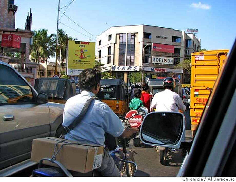 Indian cities are overrun with traffic, as evidenced by this rush hour shot from Chennai Credit: Al Saracevic/The Chronicle Photo: Al Saracevic/The Chronicle