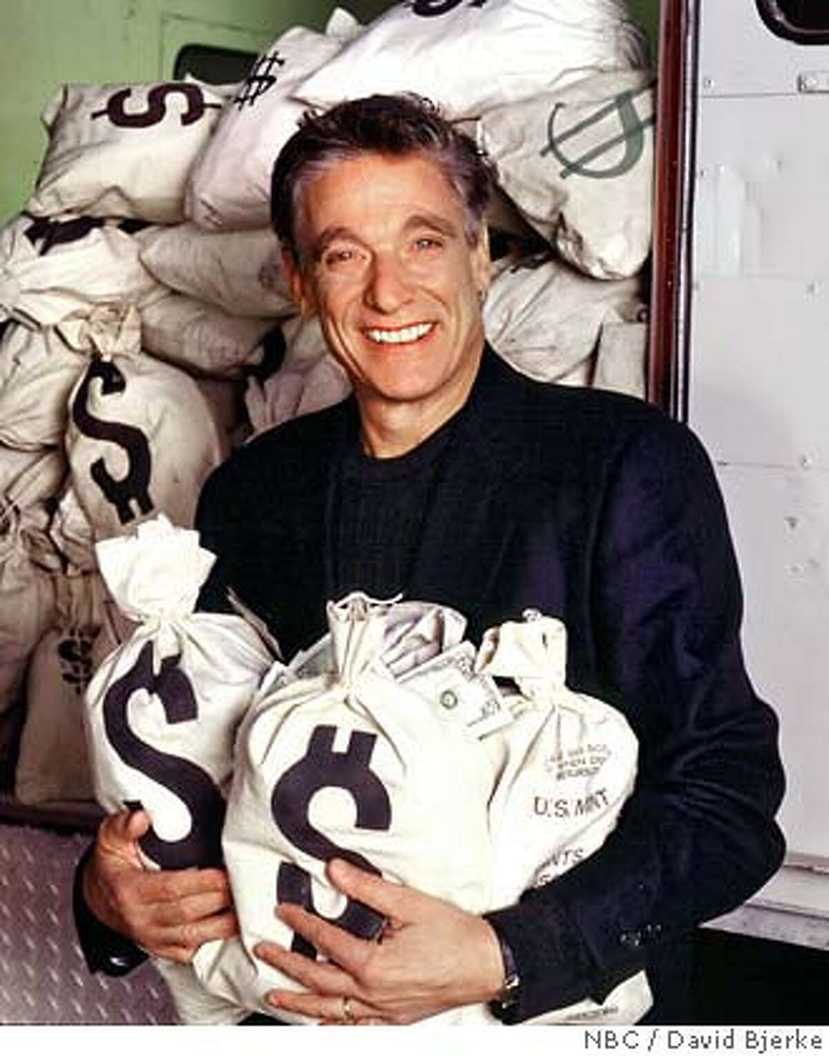 �CARMAN12/C/11JAN00/DD/HO-Twenty One -- NBC Series -- Pictured: Maury Povich, host -- NBC Photo: David Bjerke HANDOUT CAT