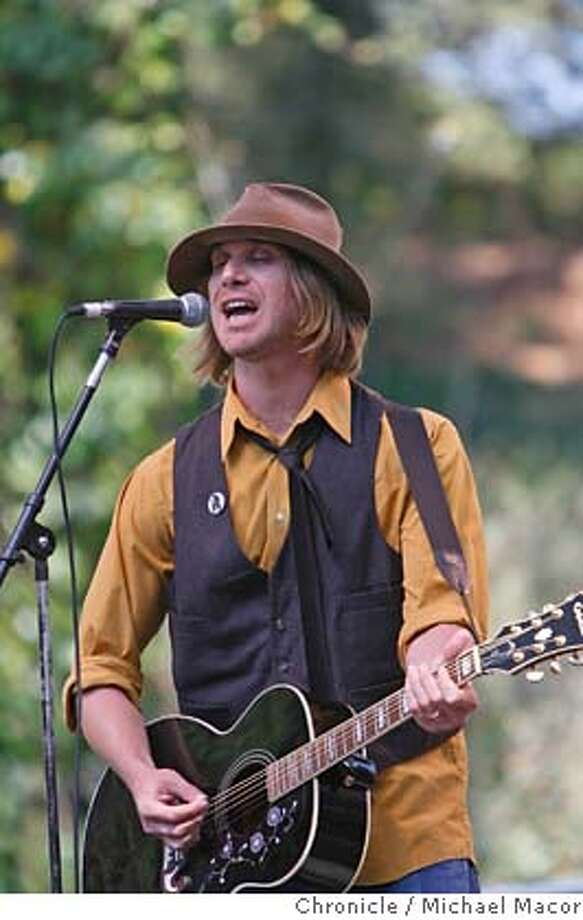 hardly09_177_mac.jpg Todd Snider plays the Rooster stage. Day 2 of The (Hardly) Strictly Bluegrass Festival . Event in, San Francisco, Ca, on 10/7/06. Photo by: Michael Macor/ San Francisco Chronicle Mandatory credit for Photographer and San Francisco Chronicle / Magazines Out Photo: Michael Macor