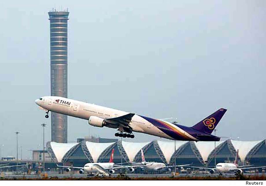 A plane takes off from Bangkok's new Suvarnabhumi Airport, already plagued with problems. Reuters photo by Adrees Latif