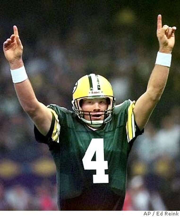 Super Bowl XXXI (1997). Associated Press photo by Ed Reinke