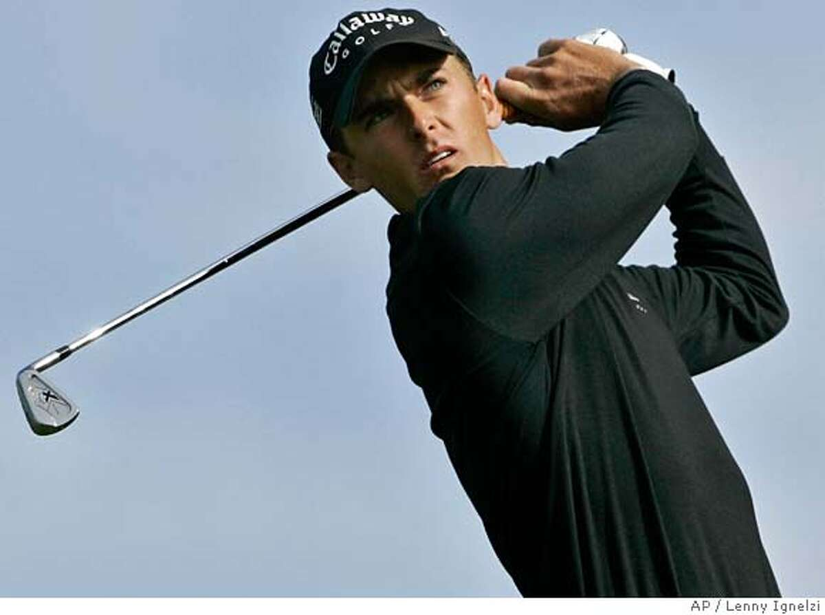 Charles Howell III hits his tee shot to the par three third hole during the final round of the Buick Invitational golf tournament in San Diego Sunday, January 28, 2007. Howell remains in contention on the back nine. (AP Photo/Lenny Ignelzi)