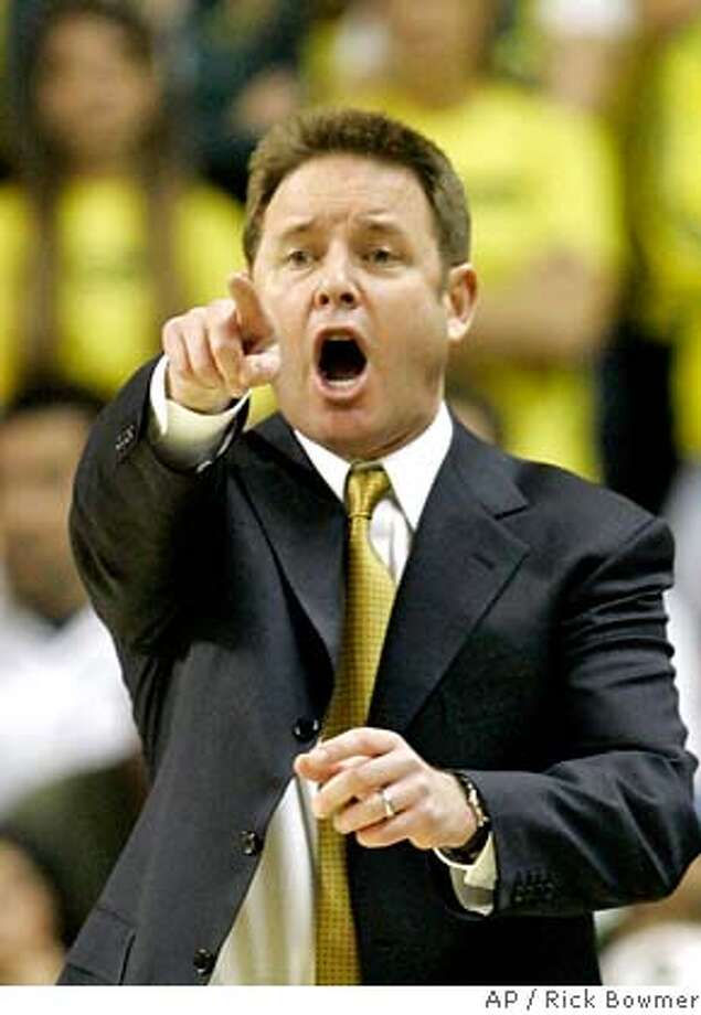 California's head coach Ben Braun shouts instructions to his team during the first half of their basketball game with Oregon Saturday, Jan. 20, 2007, in Eugene, Ore. Oregon defeated California, 92-84. (AP Photo/Rick Bowmer) Photo: Rick Bowmer