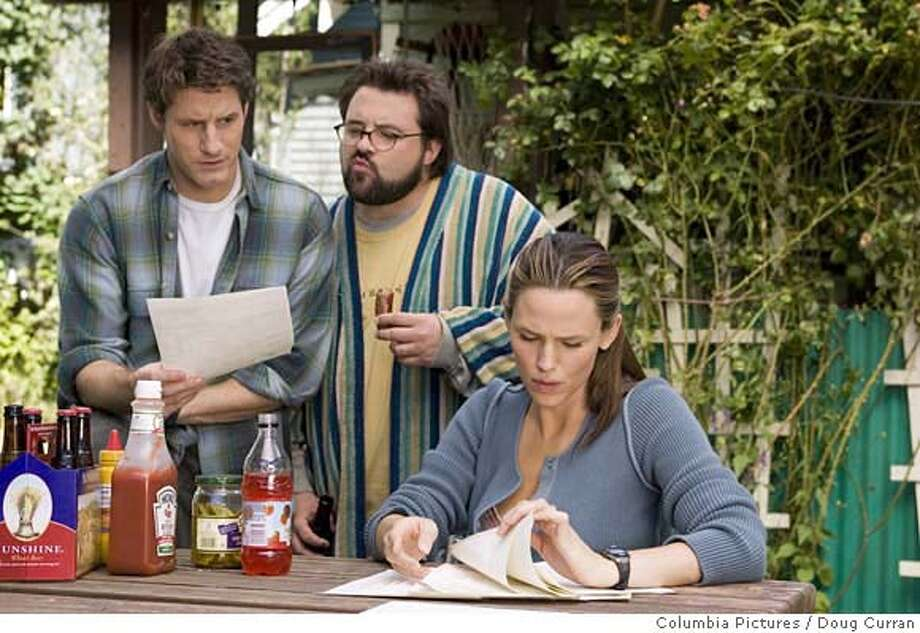 Sam Jaeger (left), Kevin Smith (center), and Jennifer Garner (right) star in Columbia Pictures' Catch and Release. Photo Credit: Doug Curran. Photo: DOUG CURRAN