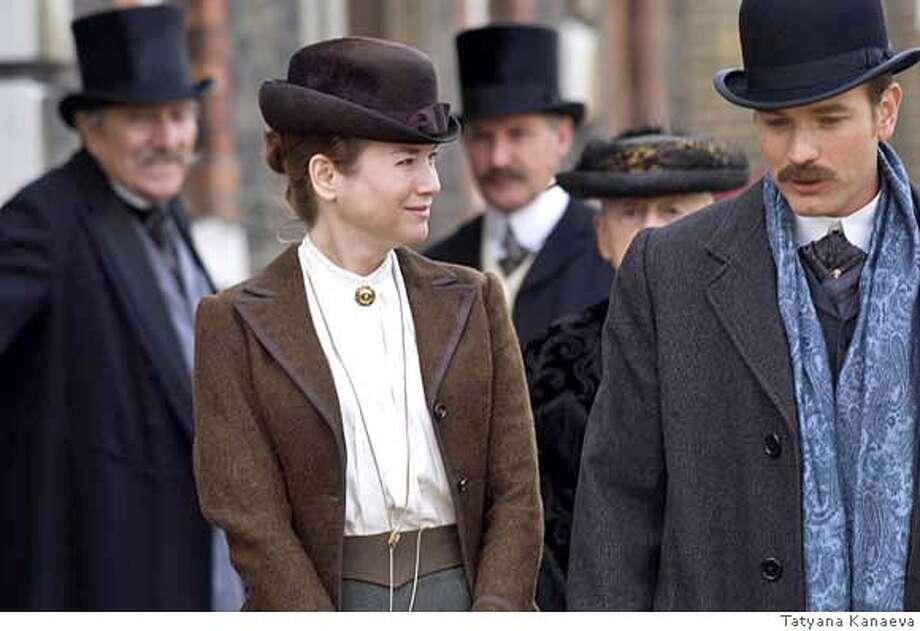 Renee Zellweger and Ewan McGregor in MISS POTTER  Photo Credit: Stephen F. Morley Photo: Weinstein Company