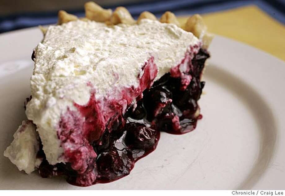 Photo of a blueberry pie. Food photo styled by Amanda Gold.  Event on 7/5/05 in San Francisco. Craig Lee / The Chronicle Photo: Craig Lee