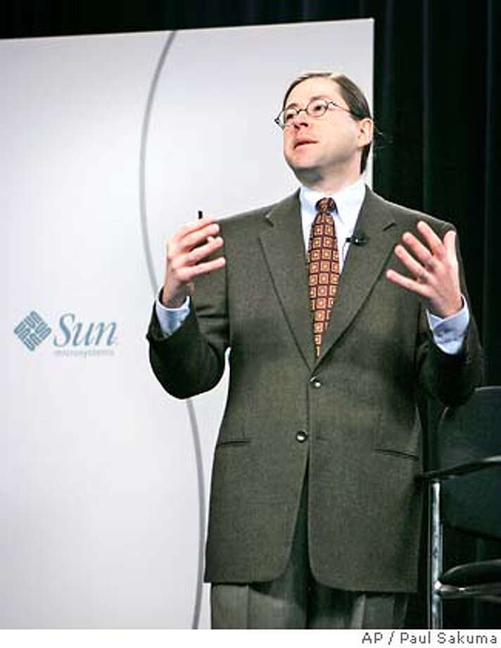 Sun Microsystems CEO and president Jonathan Schwartz gestures during a news conference in San Francisco, Monday, Jan. 22, 2007. Sun Microsystems Inc. is expected to post fiscal second-quarter earnings after the bell. Analysts expect the struggling hardware and software veteran to earn $26.42 million, or 1 cent per share, on sales of $3.52 billion. (AP Photo/Paul Sakuma) Photo: PAUL SAKUMA