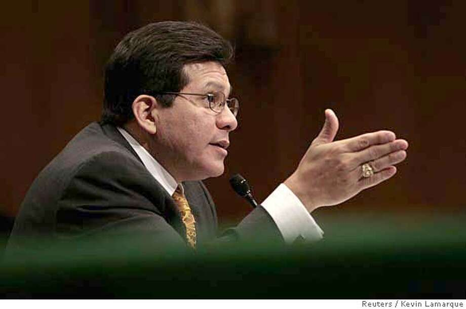 U.S. Attorney General Alberto Gonzales testifies before the Senate Judiciary Committee on Capitol Hill in Washington January 18, 2007. REUTERS/Kevin Lamarque (UNITED STATES) 0 Photo: KEVIN LAMARQUE
