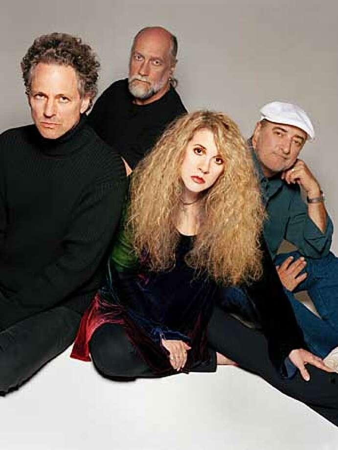 LINDSEY15 -C-08APR03-DD-HO --- Lindsey Buckingham,left. Art is of his group Fleetwood Mac (HANDOUT PHOTO) Photo: HANDOUT