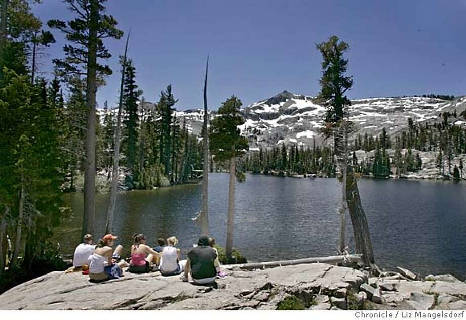 desolation071_lm.JPG Event on 7/10/05 in Desolation Wilderness.  A group of students from USC enjoy the view at Tamarack Lake in Desolation Wilderness.  Liz Mangelsdorf / The Chronicle MANDATORY CREDIT FOR PHOTOG AND SF CHRONICLE/ -MAGS OUT Photo: Liz Mangelsdorf