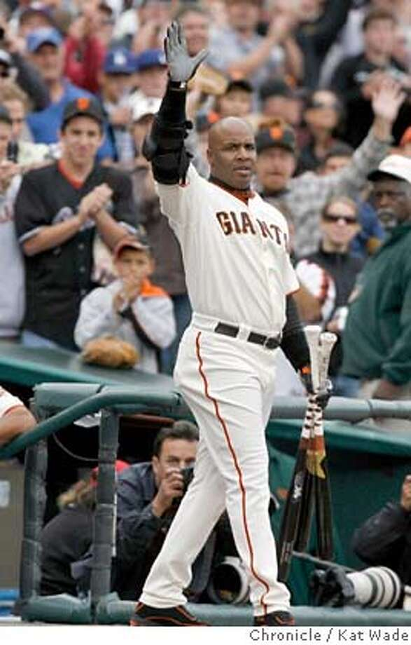GIANTS_0118_KW_.jpg  San Francisco Giants Barry Bonds comes back on the field after cheers from the fans to wave goodbye after hitting a double on his final at bat for the 2006 season during the 6th inning of the game against thee Los Angeles Dodgers at AT&T Park Sunday October 1, 2006 . Kat Wade/The Chronicle Mandatory Credit for San Francisco Chronicle and photographer, Kat Wade, Mags out Photo: Kat Wade