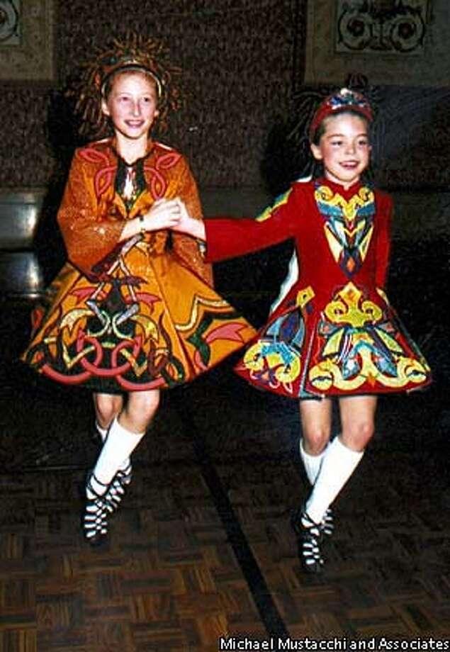 CIRCUIT0601E-C-05MAR03-MG-HO --- American-Ireland Dinner Dance. (photo by Michael Mustacchi and Associates) (HANDOUT PHOTO) Dancers from Murphy's School of Irish Dance.