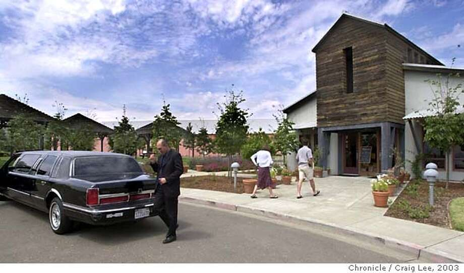 Clos du Bois taste room in Geyserville. Photo of a limo driver dropping two people off to enjoy the taste room.  CRAIG LEE / The Chronicle Photo: CRAIG LEE
