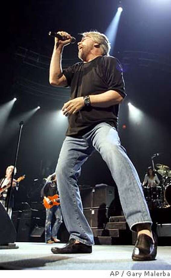 "�Bob Seger performs with The Silver Bullet Band during his ""Face The Promise"" tour stop at the Palace of Auburn Hills, Mich., Wednesday, Dec. 20, 2006. (AP Photo/Gary Malerba) Photo: Gary Malerba"
