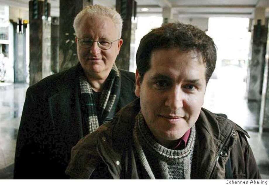 Amsterdam, 22-11-2004 Documentairemakers Roger Manly en Peter Friedman.  Foto: Johannes Abeling Photo: Johannes Abeling Photography