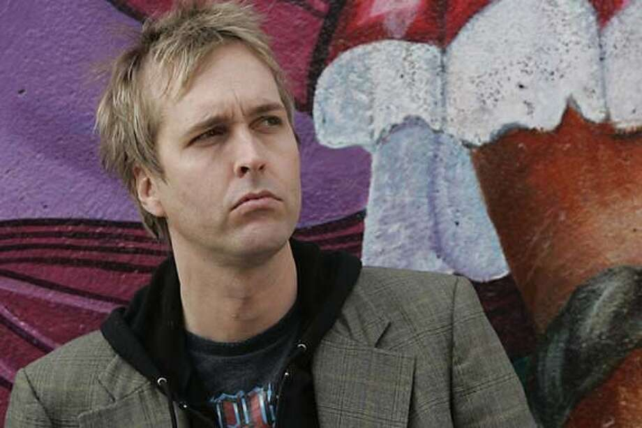 """PROFET056PG.JPG  Chuck Prophet is a beloved yet underappreciated San Francisco singer-songwriter promoting his seventh solo outing """"Age of Miracles."""" The San Francisco Chronicle, Penni Gladstone  Photo taken on 12/21/04, in San Francisco, CA. Photo: Penni Gladstone"""