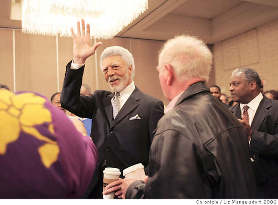 Dellums1073_lm.jpg Ron Dellums, Oakland mayor-elect, is welcomed by supporters before giving a press conference at the Oakland Marriott on Monday, June 19, 2006 in Oakland, CA. Laura Morton/The Chronicle Photo: Laura Morton