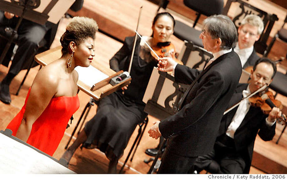 SYMPH_027_RAD.jpg  SHOWN: Soprano Measha Brueggergosman singing Schoenberg's Cabaret songs with the San Francisco Symphony, Michael Tilson Thomas conducting. These pictures made on THURSDAY NOV. 2, 2006, in San Francisco, CA. (Katy Raddatz/San Francisco Chronicle)  **Measha Brueggergosman  Ran on: 11-04-2006  Soprano Measha Brueggergosman, guesting with the Symphony, brings out the earthy side of Mahler -- and of Schoenberg, as well. Credit photographer and SF Chronicle. ; Mags Out Photo: Katy Raddatz