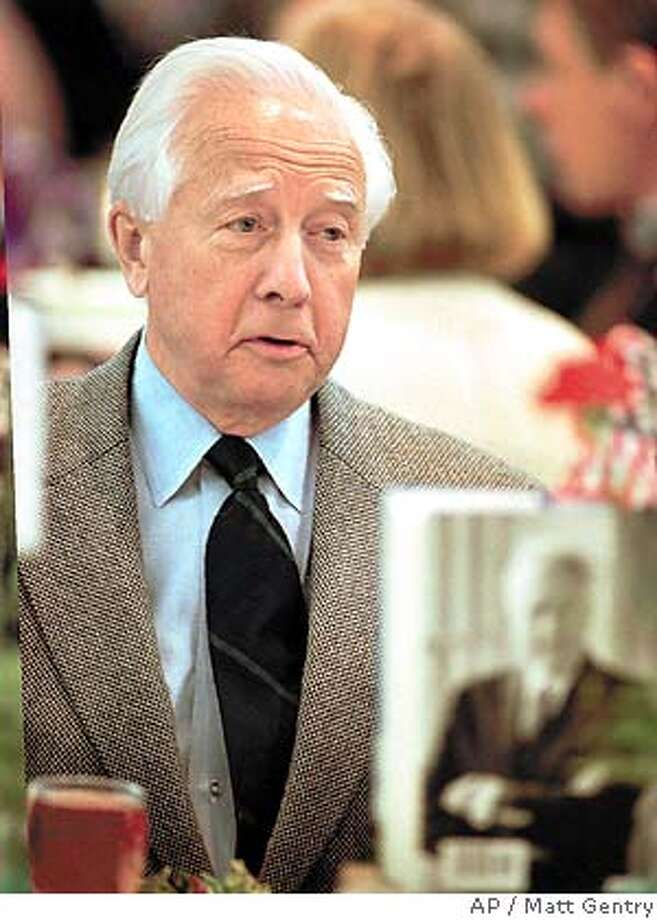 Author David McCullough talks with tablemates prior to his appearance as guest speaker at the Virginia Festival of the Book at the Omni Hotel in Charlottesville, Friday, March 29,1996. McCullough is staying in Charlottesville while working on a book about Thomas Jefferson's friendship with John Adams.(AP Photo/Daily Progress,Matt Gentry) Photo: MATT GENTRY