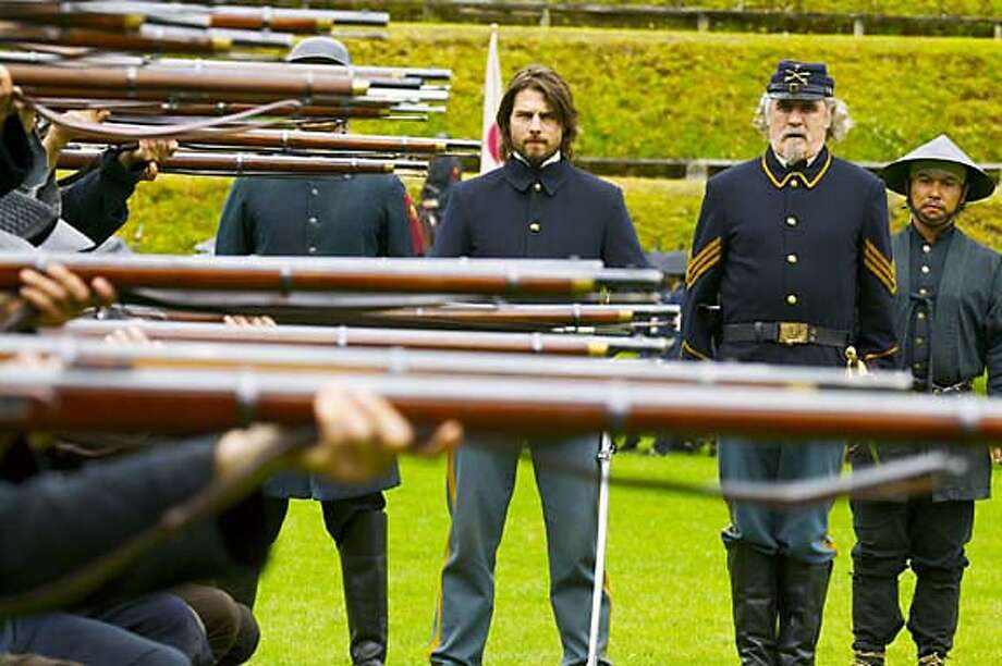 "SAMURAI05.jpg  TOM CRUISE and BILLY CONNOLLY in Warner Bros. Pictures� epic action drama ""The Last Samurai."""